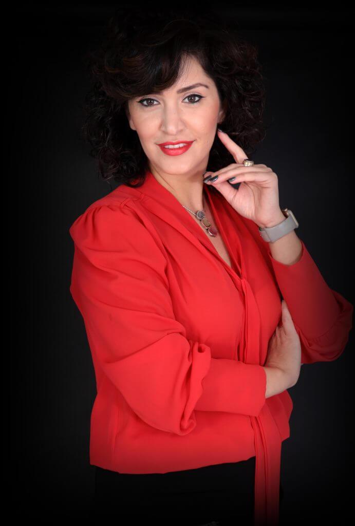 אשת עסקים בצילום תדמיתי